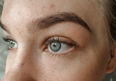 Ripsien kestotaivutus ilman meikkiä